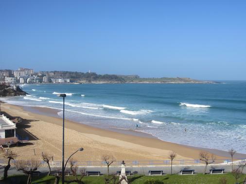 Hotel Silken Rio Santander - Santander - Beach