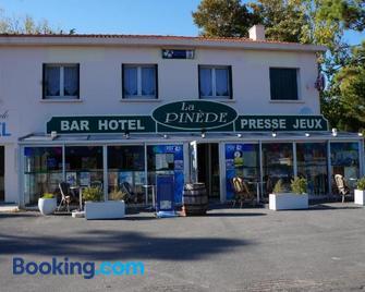 Hotel Pinede - Сен-Жан-де-Мон - Building