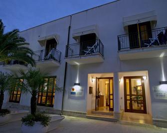 Hotel Sabbia D'Oro - San Vito Lo Capo - Toà nhà