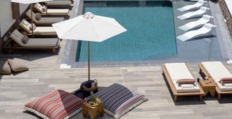 Selini Hotel - Kamari - Pool