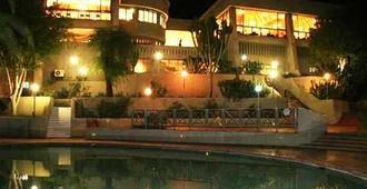 Elephant Hills Resort - Victoria Falls - Pool