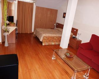 Hostal La Morada - Cistérniga - Bedroom