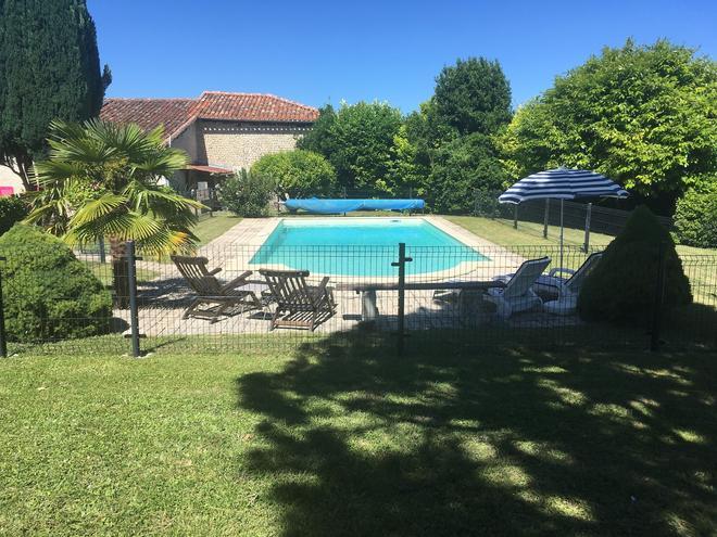 le logis de taschet - Côteaux-du-Blanzacais - Pool