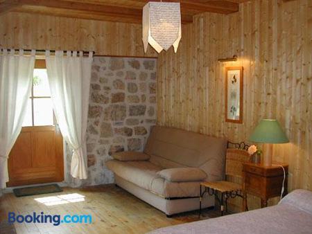 L'auberge Chez Léon - Le Chambon-sur-Lignon - Living room
