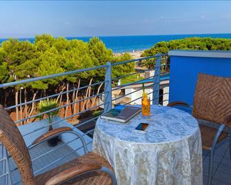 Hotel Antares - Alba Adriatica - Balkon