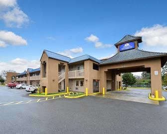Americas Best Value Inn Lakewood Tacoma S - Lakewood - Building