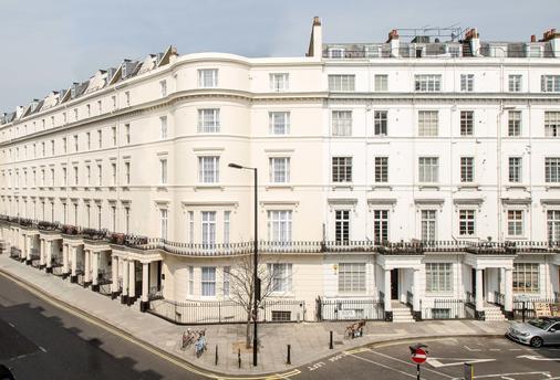 The Crescent Hyde Park - London - Building