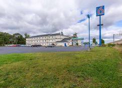Motel 6 Lake Delton Wi - Baraboo - Building