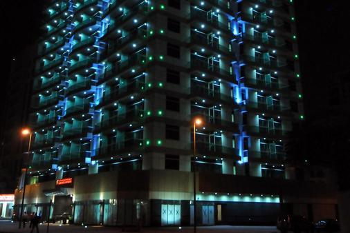 Time Dunes Hotel Apartments Oud Metha - Dubai - Building