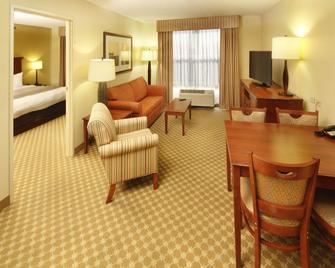 Country Inn & Suites by Radisson, Crystal Lake, IL - Crystal Lake - Вітальня