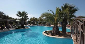 Club Yali Hotels & Resort - Gümüldür Cumhuriyet - Pool