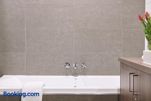 Club Laverton - Laverton - Bathroom