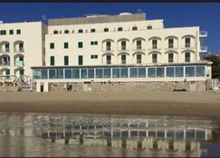 Hotel Amyclae - Sperlonga - Bâtiment