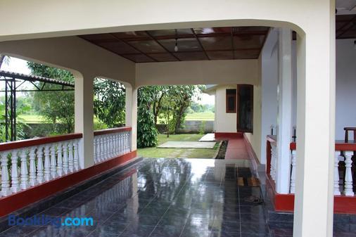Sunshine Tourist Rest - Anuradhapura - Building