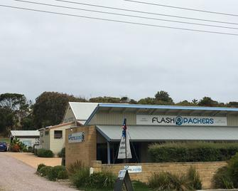 Port Campbell Guesthouse & Flash Packers - Port Campbell - Κτίριο