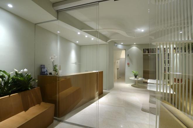 阿洛米皮克羅酒店 - 潔羅 - 薩羅(倫巴第大區) - 櫃檯