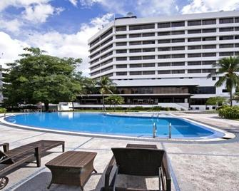 Impiana Hotel Ipoh - Ipoh - Piscina