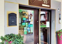 Feel Inn - Venice Airport Luxury Rooms - Venice - Outdoor view