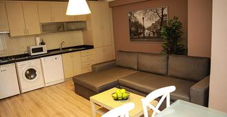Akin Suites Istanbul - Istanbul - Living room