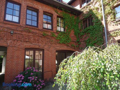 Hotel Wilhelmshof - Ribnitz-Damgarten - Building