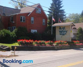 Maple Leaf Inn Lake Placid - Lake Placid - Building