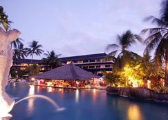 Discovery Kartika Plaza Hotel - Kuta - Vista del exterior