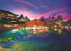 Discovery Kartika Plaza Hotel - Kuta - Pool