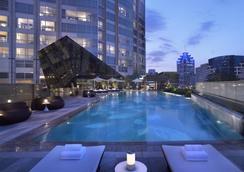 Grand Hyatt Shenzhen - Thẩm Quyến - Bể bơi