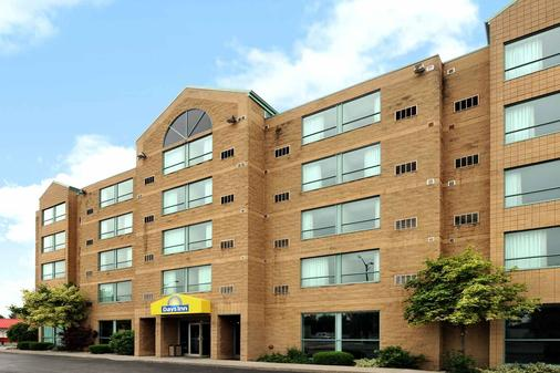 Days Inn by Wyndham Niagara Falls Lundys Lane - Niagara Falls - Building