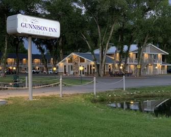The Gunnison Inn at Dos Rios Golf Course - Gunnison - Gebäude