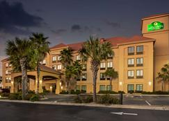 La Quinta Inn & Suites by Wyndham PCB Pier Park area - Panama City Beach - Edificio