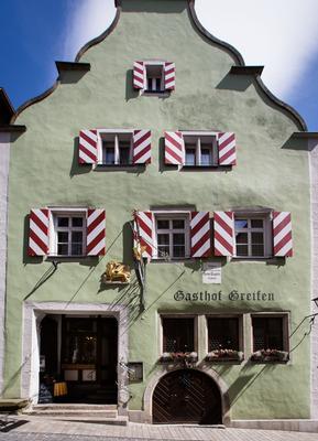 Hotel-Gasthof Goldener Greifen - Rothenburg ob der Tauber - Rakennus