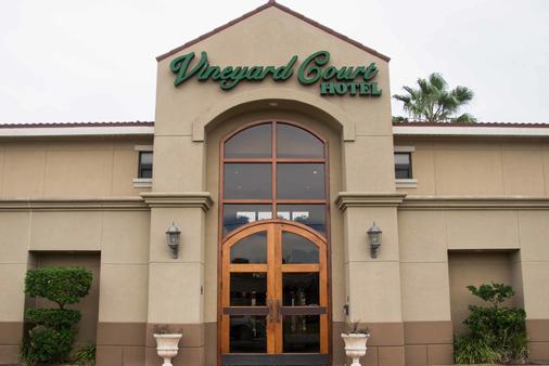 Vineyard Court Designer Suites Hotel - College Station - Rakennus