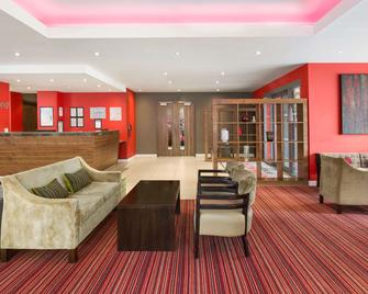 Ramada Encore by Wyndham Leicester City Centre - Leicester - Lobby