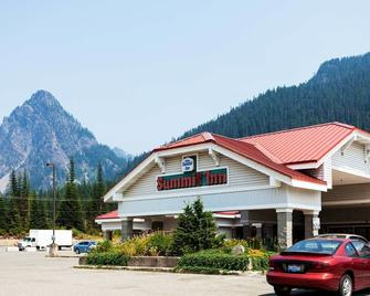 Summit Inn - Snoqualmie Pass - Building