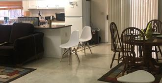 Whole.Family - Sacramento
