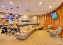 Springhill Suites by Marriott Lawrence - Lawrence - Lounge