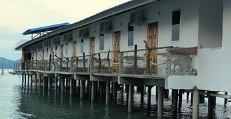 Pangkor Fish House - Pangkor - Edificio