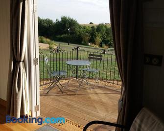 Fair Farm Hideaway - Melton Mowbray - Living room