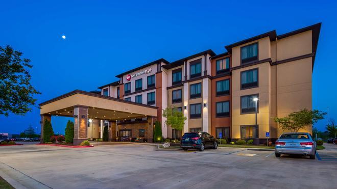 Best Western Plus Tupelo Inn & Suites - Tupelo - Building