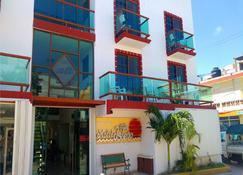 Hotel Isleño - Isla Mujeres - Building
