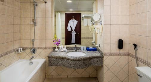 Savoy Crest Hotel Apartments - Dubai - Bathroom