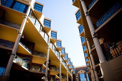 Amora Hotel Riverwalk - Melbourne - Building