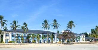 Microtel by Wyndham Puerto Princesa - Puerto Princesa - Κτίριο