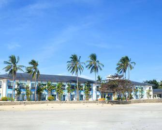 Microtel by Wyndham Puerto Princesa - Puerto Princesa - Building