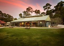 Paradise Country Farmstay - Oxenford - Bâtiment