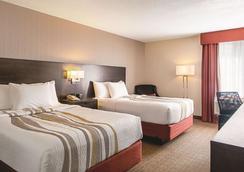 溫哥華機場拉昆塔套房酒店 - 列治文 - 里士滿 - 臥室