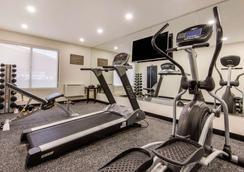 Comfort Inn Airport West - Mississauga - Gym