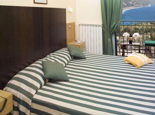 La Pensione Svizzera - Taormina - Bedroom