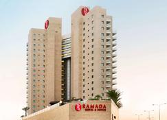 Ramada Hotel & Suites by Wyndham Netanya - Netanya - Byggnad